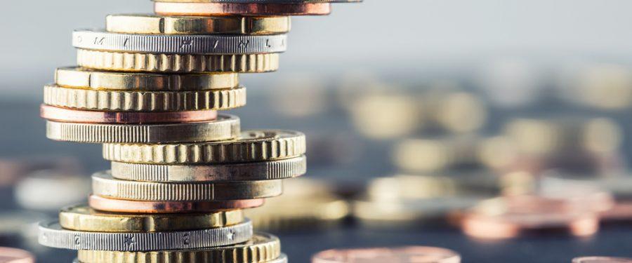 """Guvernul impune băncilor """"taxa pe lăcomie"""", dacă depăşeşc un anumit nivel al ROBOR"""