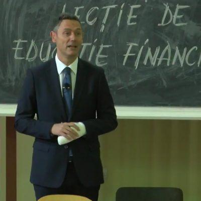 De Ziua Mondială a Economisirii, Sergiu Manea, CEO BCR, a jucat rolul de profesor de educație financiară pentru studenții de la ASE