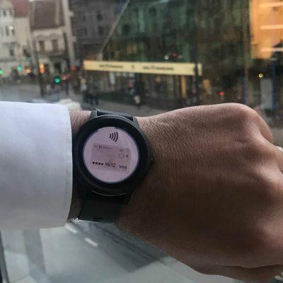 O nouă metodă de plată de la Banca Transilvania: plăți contactless prin smartwatch-ul Garmin