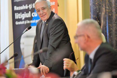 Mugur Isărescu în cadrul Conferinței CSALB: BNR urmăreşte îndeaproape şi cu atenţie îmbunătățirea calității serviciilor pe care băncile le oferă consumatorilor, inclusiv modalitățile de rezolvare a neînţelegerilor