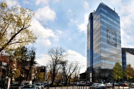 Ratingurile pentru depozitele Alpha Bank trec de la stabil la pozitiv. Cum arata calificativul pentru credite