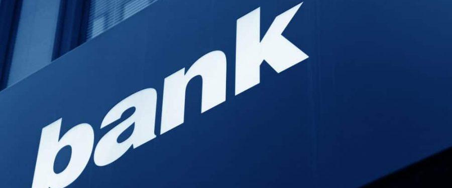 Asaltul asupra băncilor s-a încheiat. Parlamentul a adoptat toate legile senatorului Zaniel Zamfir
