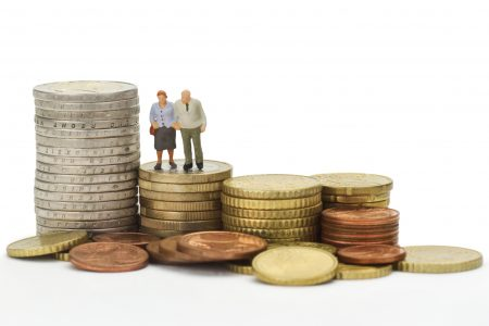 """Ordonanța de urgență pentru """"taxa pe lăcomie"""" se amână pentru vineri. Pilonul II de pensii dispare pentru viitorii angajati, iar cei care se retrag vor putea opta pentru Pilonul I sau III"""