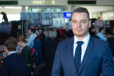"""Christopher Dembik, Saxo Bank: Problema nu e """"taxa pe lăcomie"""" în sine, ci atitudinea ministrului de Finanțe"""