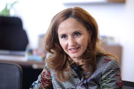 """Dana Dima (Demetrian), BCR: """"În ultimii 10 ani, nu am primit pe tavă lecții și doctrine bancare, ci le-am trăit, le-am încercat și le-am dezvoltat"""""""