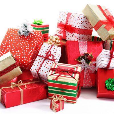 BCR: Românii preferă să investească sume mici în cadourile de Crăciun