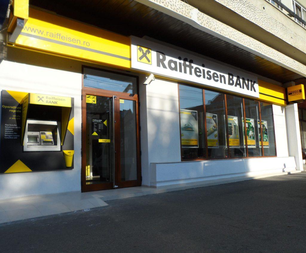 "Raiffeisen Bank dă startul unei noi ediții a programului de finanțare pentru antreprenori ""Factory by RAIFFEISEN BANK"""