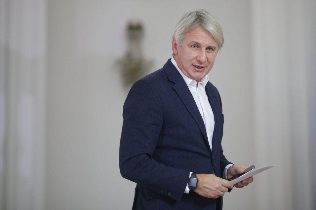 Eugen Teodorovici susţine că lucrurile se vor schimba complet în bine pentru românii care au credite în lei