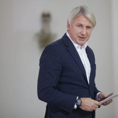 Dialog în contradictoriu între ministrul Eugen Teodorovici și comisarul european Corina Creți pe tema ordonanței lăcomiei