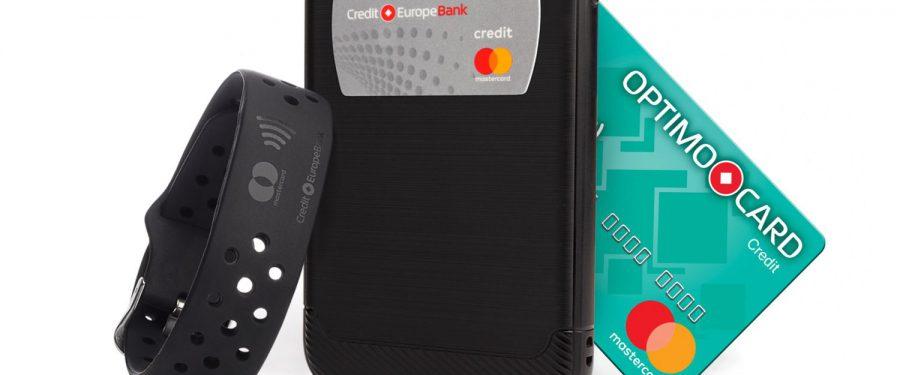 Stickerul și Brățara contactless – noile gadgeturi emise de Credit Europe Bank