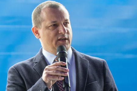 Raiffeisen Bank finanțează de 13 ani Șantierul Naval Constanța. Cristian Sporiș: Parteneriatul este unul valoros pentru noi prin contribuția pe care putem să o avem direct la dezvoltarea industriei portuare