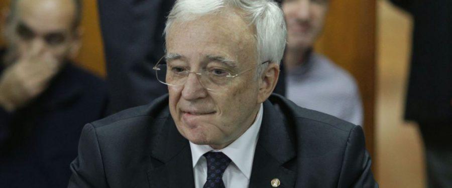 Mugur Isărescu: Să creditezi o firmă slab capitalizată e puşcărie curată pentru un bancher. Soluţia e reforma companiilor şi reclădirea încrederii