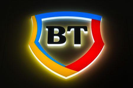 Banking la distanță: clienții Băncii Transilvania au 10 opțiuni pentru self-banking