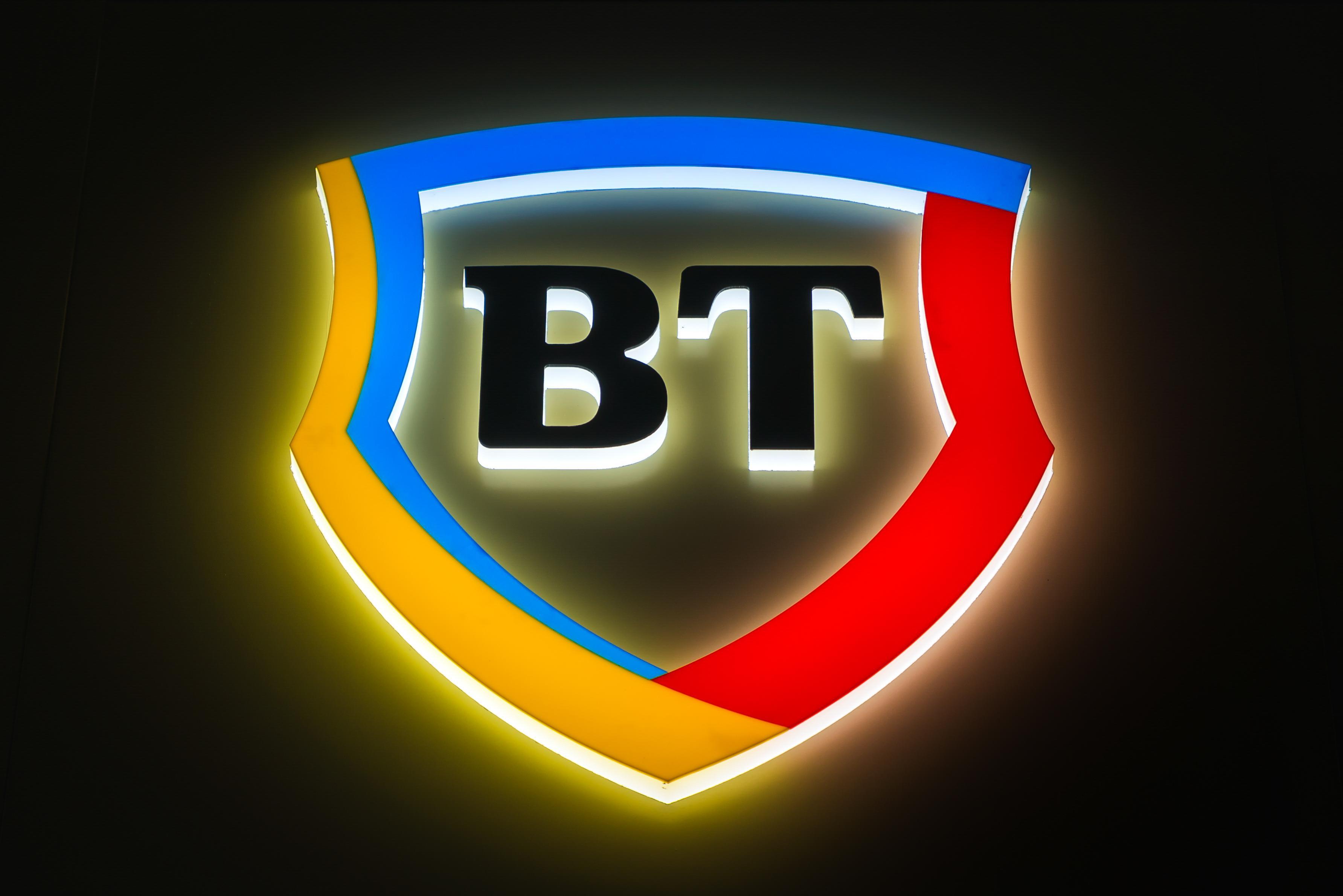 Banking la distanță: clienții Băncii Transilvania au 10 opțiuni pentru self-banking - Stiri Bancare