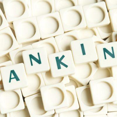 Analiză: Sistemul bancar românesc și transformarea digitală: o nouă șansă pentru unii, o ultimă șansă pentru alții. Primele 5 bănci autohtone dețin 62% din activele nete din piață și 75% din profituri