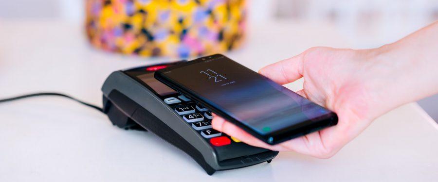 Banca Transilvania deține 500.000 de carduri de credit, iar 100.000 se regăsesc în aplicațiile BT Pay + Apple Pay