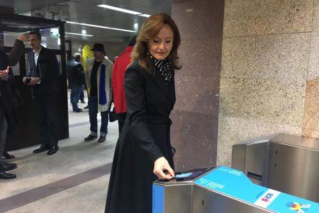 Metrorex și BCR oferă acces rapid în 9 stații de metrou prin intermediul unui nou sistem de plată a călătoriei – cu orice card bancar contactless, direct la turnichete