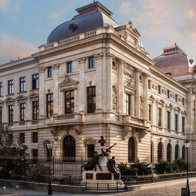 Guvernatorul BNR și premierul Ludovic Orban participă la evenimentul de lansare a bancnotei aniversare cu tema Desăvârşirea Marii Uniri-Ion I. C. Brătianu
