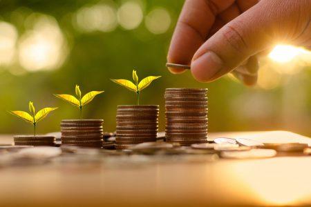 Studiu BCR: peste 85% din elevii de gimnaziu și liceu pun bani deoparte, iar 90% dintre ei au învățat doar în familie noțiuni de educație financiară