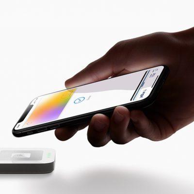 EXCLUSIV. Peste 250.000 de români folosesc aplicația Apple Pay prin Banca Transilvania, BCR, Raiffeisen Bank și ING Bank. Cum își împart cele patru bănci clienții