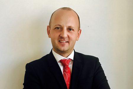 """Andrei Pîslaru, Idea::Bank: """"Menținem posibilitatea efectuării tranzacţiilor la ghişee, dat fiind procentul de peste 30% al deponenţilor cu vârstă mai mare de 60 de ani"""""""