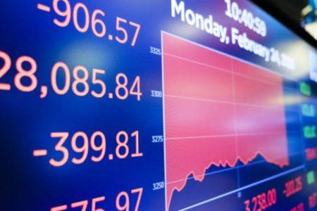 Bursele înregistrează cea mai proastă săptămână din ultimii 11 ani, din cauza coronavirusului. Cum poate COVID 19 să afecteze economiile globale și locurile de muncă