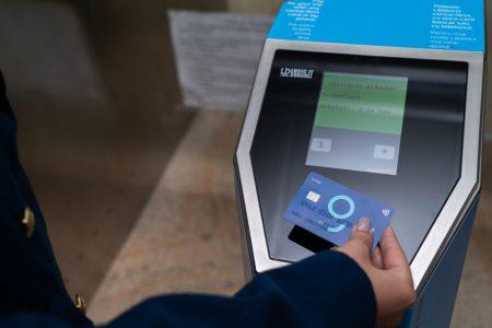 BCR și Metrorex au implementat plata cu cardul contactless în toate stațiile de metrou. Ciprian Nicolae, BCR: Am atins 2.000 de tranzacții zilnice cu doar 9 stații disponibile, prin urmare ne așteptăm la creșteri subtanțiale