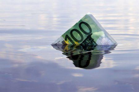 Florin Cîțu anunță că Guvernul discută cu băncile posibilitatea amânării ratelor la credite pentru 2-3 luni
