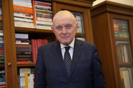 """CORONACRIZĂ. Adrian Vasilescu: """"Riscurile trebuie împărțite între bănci și clienți. Dacă nu va fi așa, va fi rău. La BNR se discută cât se poate amâna plata ratelor pentru fiecare bancă în parte. Măsurile nu pot fi luate după ureche"""""""