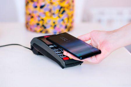 BT Pay vine cu noi opţiuni pentru banking de acasă: acum poți adăuga în aplicație și cardurile emise de alte bănci sau de fintech-uri
