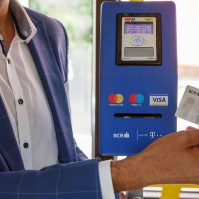 Cu sprijinul BCR, Craiova introduce din această vară plata cu cardul contactless direct în mijloacele de transport public