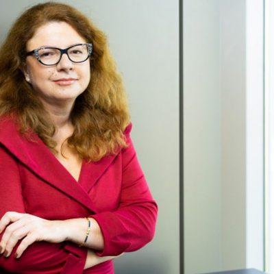 Raiffeisen Art Proiect își deschide stagiunea virtuală. Corina Vasile, Raiffeisen Bank: Promovarea artiștilor și a actelor culturale este cu atât mai importantă acum, când publicul are și el nevoie de susținerea și bucuria oferite de artă