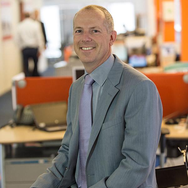 """95% dintre angajații ING Bank lucrează de acasă. Richard de Graaf: """"Criza de sănătate ne-a dovedit că putem lucra în număr mare de acasă. Vom continua să lucrăm de acasă într-o proporție mai mare decât înainte"""""""