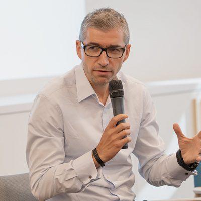 """Peste 10.000 de IMM-uri au ales până acum Banca Transilvania în programul IMM Invest. Tiberiu Moisă: """"Numărul foarte mare al cererilor ne-a impresionat pe toţi. Vom munci oricât pentru a finaliza documentaţiile în timp util"""""""