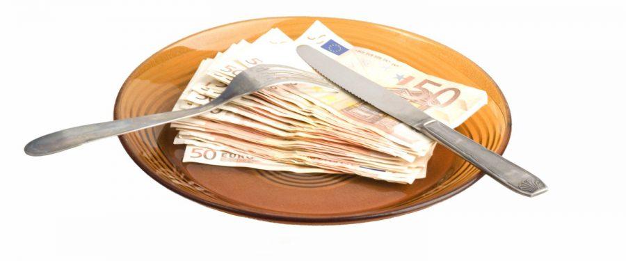 Băncile au amânat plata ratelor pentru aproape 20% din creditele debitorilor persoane fizice și pentru circa 14% din împrumuturile pentru companii. Bancherii fac apel la responsabilitatea decidenților pentru a permite acordarea acestui sprijin exclusiv clienților afectați de pandemie