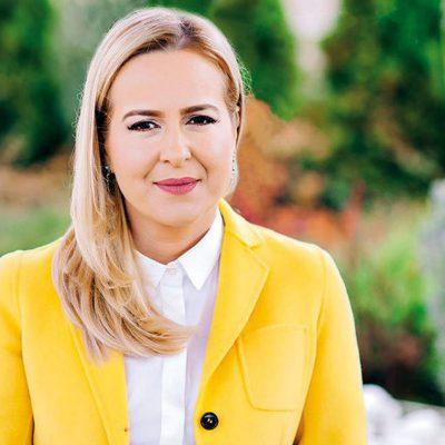 """First Bank lansează aplicația Micro Creditum. Mădălina Teodorescu: """"Viitorul First Bank este unul preponderent digital, păstrând componenta umană care adaugă valoare în oferirea celei mai potrivite soluții fiecărui client"""""""