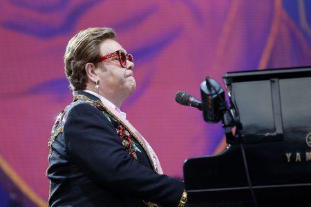 FOTO. Monetăria Regală Britanică lansează o monedă de aur prin care omagiază moștenirea muzicală a legendarului Elton John