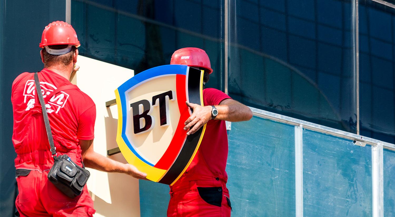 Medicii, stomatologii și rezidenții pot accesa credite cu discount de la Banca Transilvania. Vezi ce alte beneficii oferă banca din Cluj în campania White Banking Days