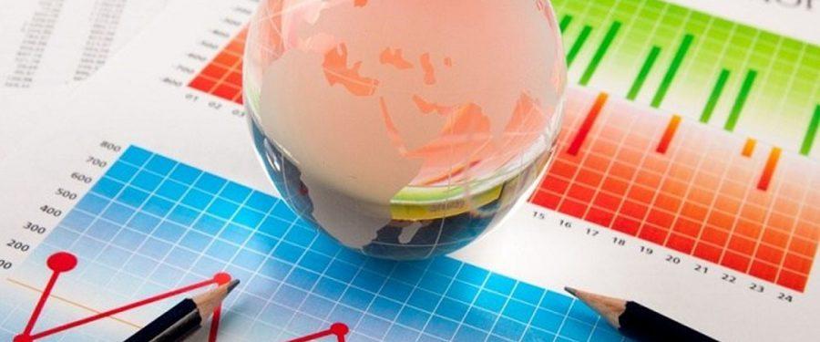 Analiştii CFA estimează deprecierea cursului la 4,96 lei/euro în următoarele 12 luni, inflaţie medie de 2,33% și o scădere economică de 4,4%