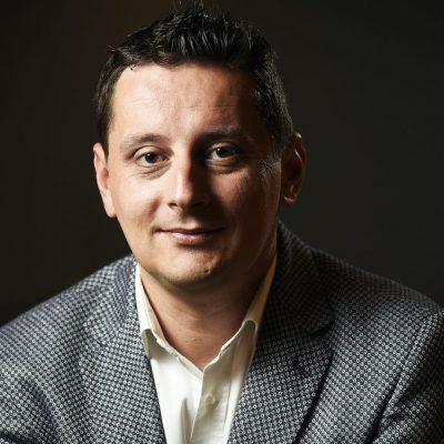 """Asseco SEE devine partener principal al Open Banking Hackathon. Adrian Năstase: """"Ne dorim să susținem accelerarea progresului pe zona de Open Banking și în industria financiară în ansamblu"""""""