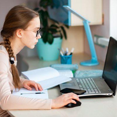 ASF, BNR, ARB și MFP lansează FinClub, primul club de educație financiară online pentru elevii de liceu