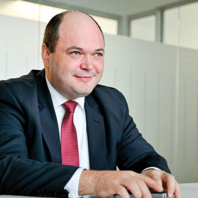 """Consiliul Investitorilor Străini: măsurile adoptate de Parlament slăbesc economia. Ionuț Dumitru: """"Un deficit de 11% este nefinanțabil. Leul se va deprecia destul de mult"""""""