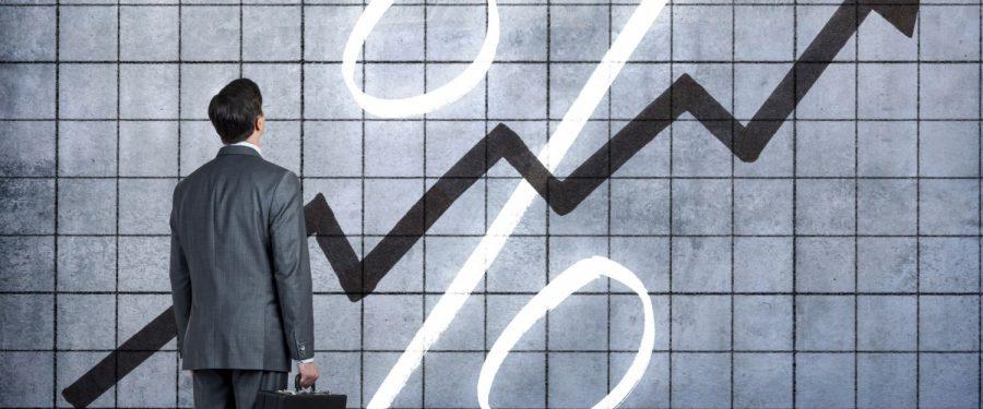 Euro atinge un nou record. Cursul tot mai aproape de un nou prag psihologic. Când intervine BNR