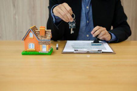Sondaj BNR: Cererea pentru credite imobiliare va scădea în T3, cea pentru credite de consum va creşte. Cum va evolua piața imobiliară?