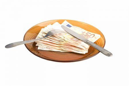 Ministerul Finanţelor a atras, luni, 938 de milioane de lei de la bănci