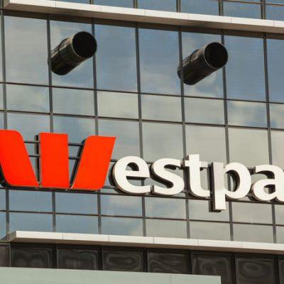 Westpac, banca care a încălcat legea de 23 de milioane de ori, a primit o amemedă record pentru spălarea banilor