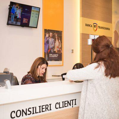 Banca Transilvania inițiază stagii de practică pentru studenții şi masteranzii la facultăţi cu profil economic. Programul se derulează în Cluj-Napoca, Timişoara, Iaşi, Oradea, Alba Iulia, Târgu Mureș şi Bacău