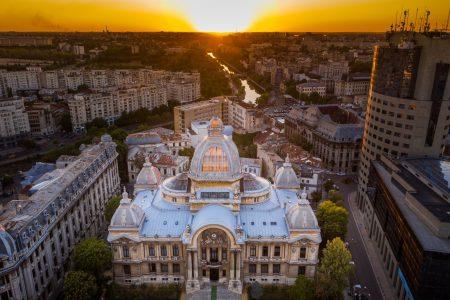 """CEC Bank contractează 50 milioane de euro de la Banca Europeană de Investiții pentru finanțarea companiilor. Bogdan Neacșu: """"Finanțarea ne permite să susținem proiecte de investiții care contribuie la modernizarea și diversificarea activității economice"""""""