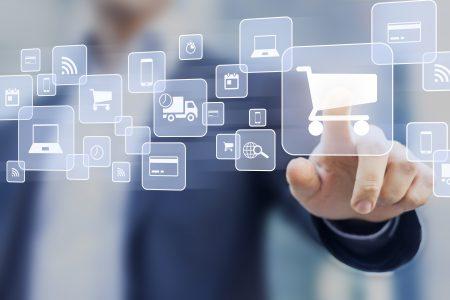 Noi reguli privind plățile online cu cardul valabile din 2021. Comercianții online trebuie să solicite autentificarea plăților prin implementarea noilor protocoale de securitate în platformele comerciale online, iar băncile emitente ale cardurilor trebuie să asigure autentificarea strictă