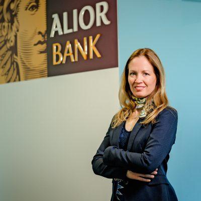 Deschiderea de cont curent 100% online, o nouă facilitate lansată de Telekom Banking. Ana Cernat: clientul are acces rapid la produsele esențiale printr-o interfață prietenoasă, din confortul canapelei de acasă sau din vârf de munte